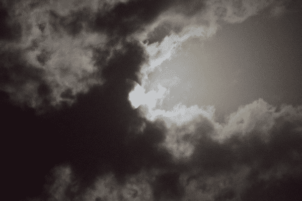 can telesscope see through clouds